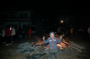 Timmy in front of the bonfire, one of many in Guadix this night